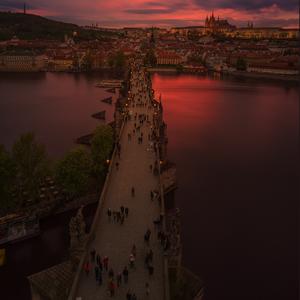 Cez Karlov most