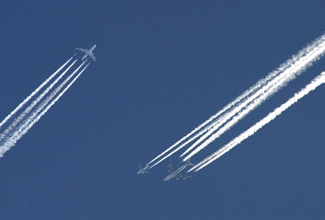 Heavy trafic on the sky
