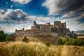 Long pohľad na hrad Beckov