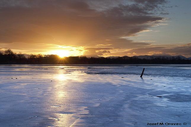 Jazero Jistebník