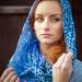 žieňa v modrom