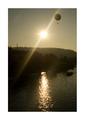 Sépiový balón na slnečnom lúči