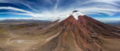 Cotopaxi (5 897 mnm)