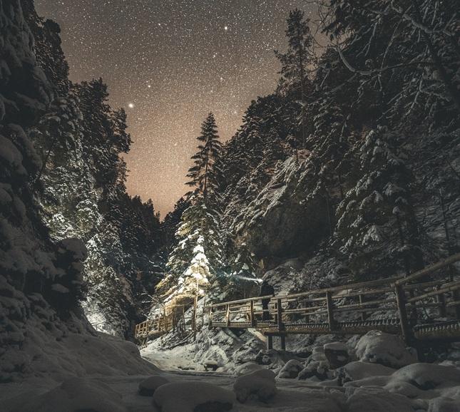 noc v Jánošíkových dierach