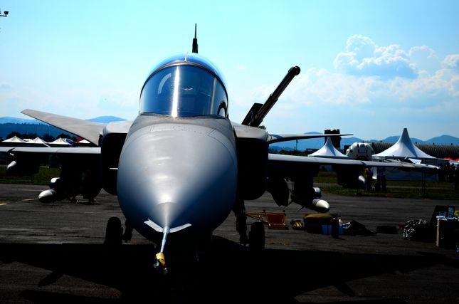fighter-aircraft