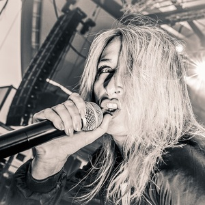 Sandra Nasic ( Guano Apes )