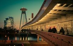 prechadzka po moste