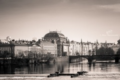 prestávka v Prahe