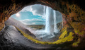 Okom vodopádu - farebne