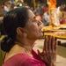 Modliaca sa žena - Ganga Aarti
