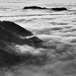 V mori oblakov