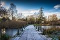 Chodník nad zamrznutým jazerom 2