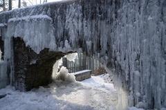 ľadový baldachýn