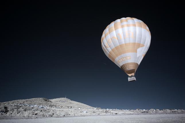 krajina s balónom