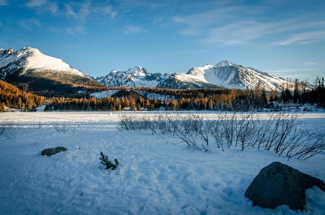 ...zamrznuté jazero...