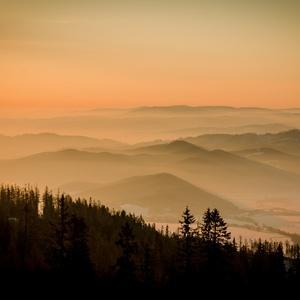 ..ranná hmla v údolí....