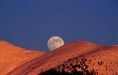 Mesiac 2