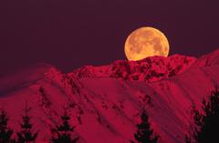 Západ mesiaca