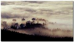 Štrba v hmle
