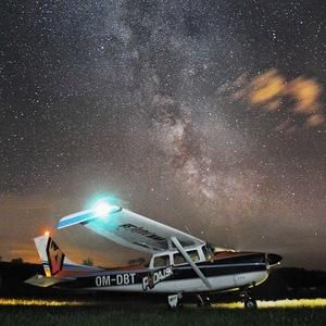 O čom snívajú lietadlá?