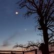 Stretnutie Mesiac, Venuša a Mars