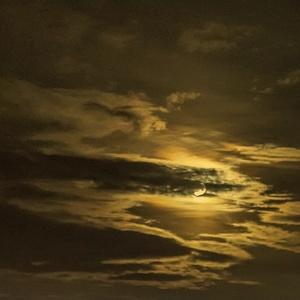 Mesiac v marci