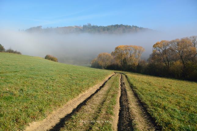 ... jesenné ránna v údoliach...