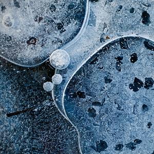 Zakliate v ľade 31