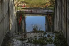 Nad mostom, pod mostom?