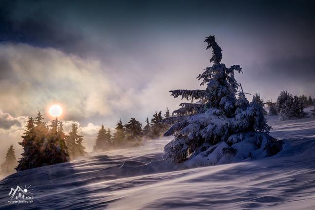 mrazivý podvečer