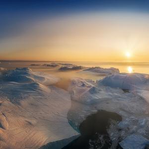v zajatí ľadu