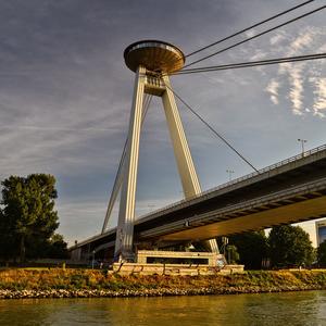 večerný most