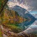 jeseň pri jazere