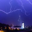 búrka nad kostolom
