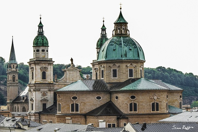 Prechadzky Salzburgom no.2
