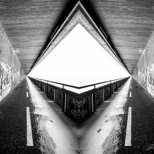 Abstrakt 32