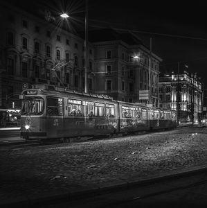 Tramvaj v noci