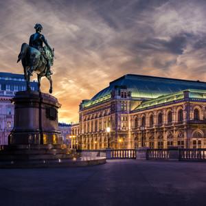 Opera za súmraku