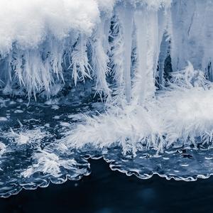 zmrznutý potok l...