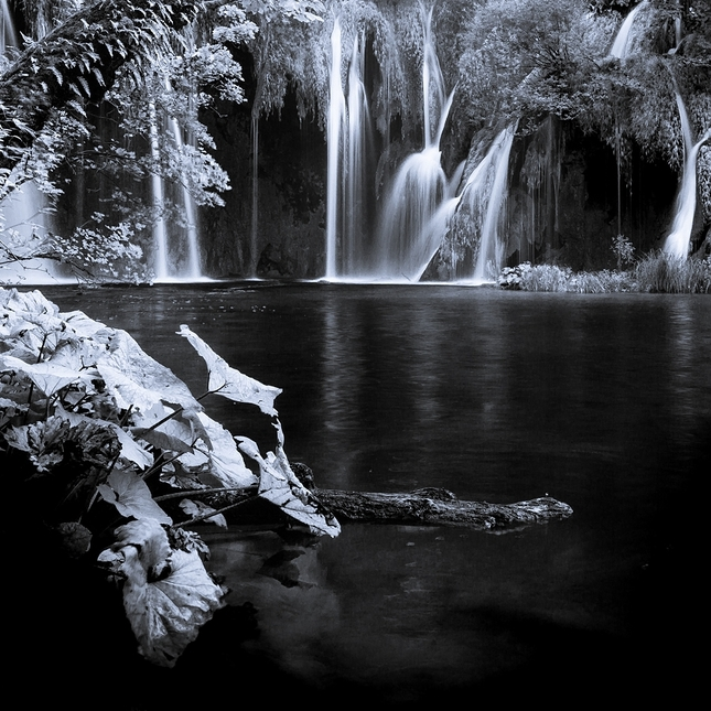 neónový vodopád...