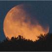 Červený mesiac 1