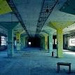 opustená továreň