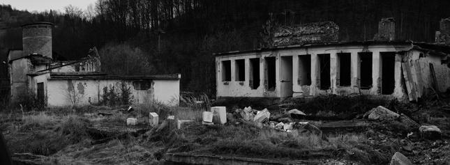 už len ruiny