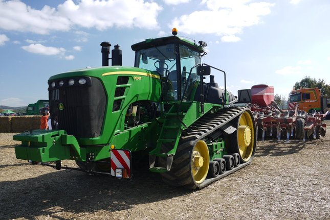 pasovy traktor