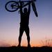 autoportret - silueta s bicyklom