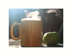 Zátišie s horúcim čajom