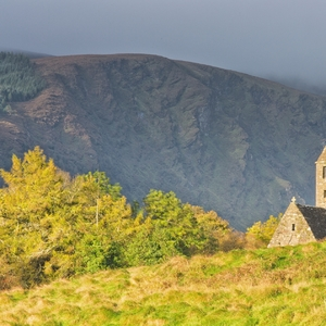 Kostolík na jeseň
