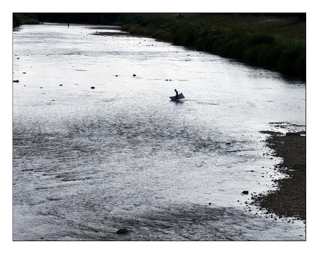 Cez rieku domov...