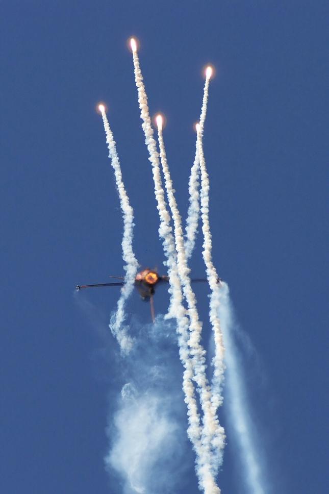 F-16 RNLAF Demo team