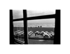 Fotenie U2 na brehu mora